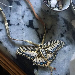 🦄💕 Unique handmade leather butterfly necklace